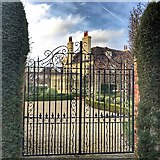 TQ2115 : Henfield, Sussex - big house and gates by Ian Cunliffe