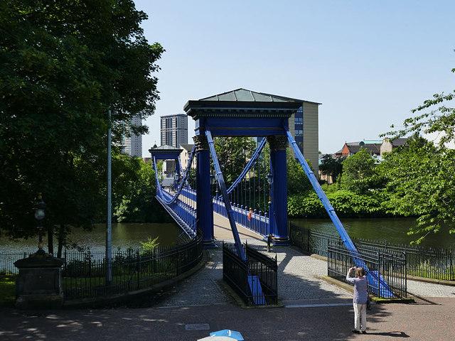 St Andrew's Suspension Bridge - Glasgow Green end