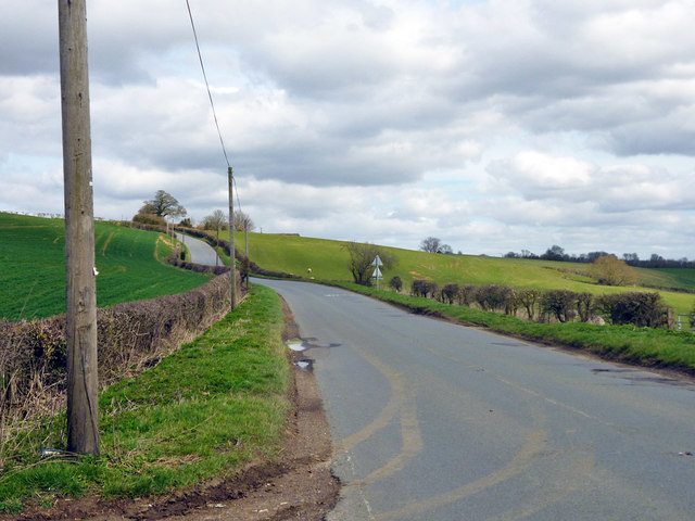 Road towards Upper Winchendon