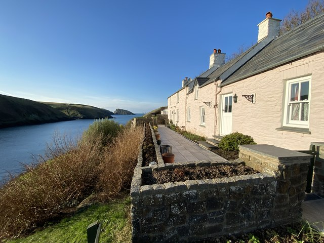 Abercastell cottages