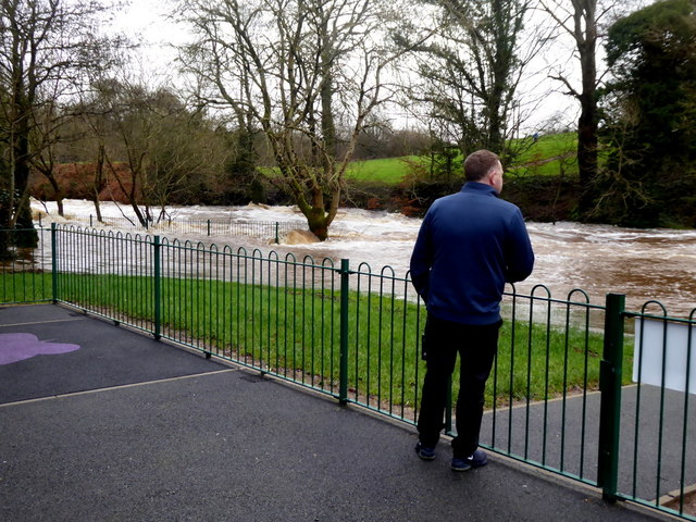 Looking at the flood, Lovers Retreat