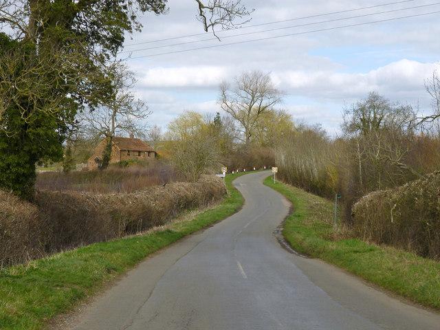 Hogshaw Road nearing Granborough