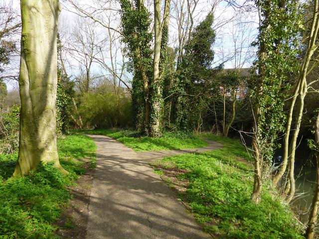 Riverside path, Buckingham