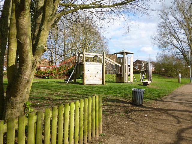 Play apparatus, Stratford Fields, Buckingham