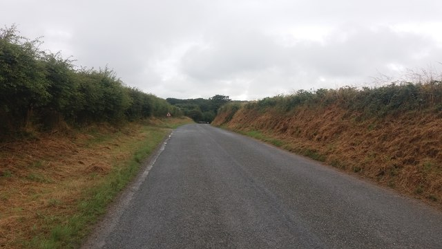 Nearing T junction at Troed-y-Rhiw