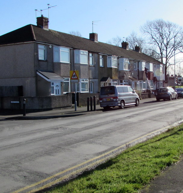 Mendalgief Road houses southeast of Lime Close, Newport by Jaggery