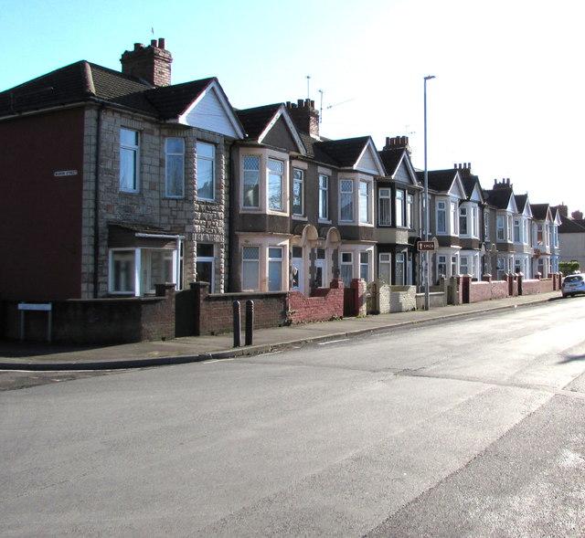 Mendalgief Road houses southeast of Marion Street, Newport