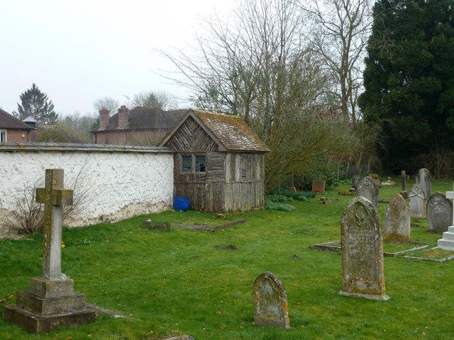 Shed, Chilbolton churchyard