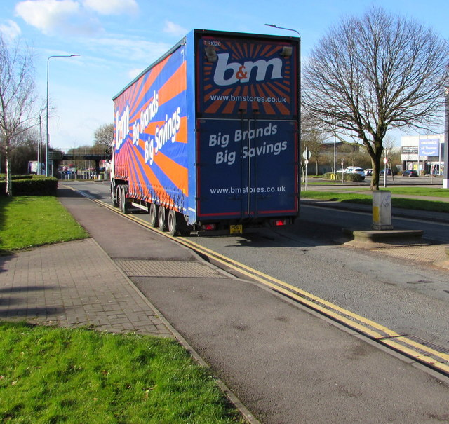 B&M articulated lorry, Docks Way, Newport
