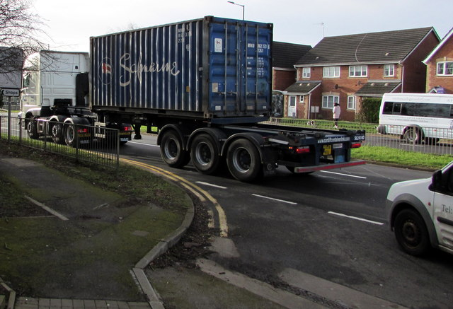 Container type 22G1 in transit, Malpas Road, Newport