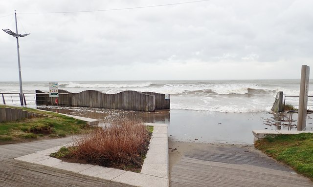 Storm Ciara generated waves invade Newcastle's North Promenade