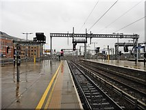 SU7173 : West end of Reading railway station by Roger Cornfoot
