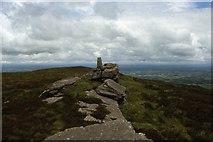 R6418 : Seefin Mountain summit & trig point by Colin Park