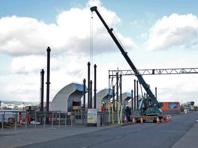 Sluice maintenance on the Cardiff Bay Barrage