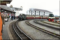 SH5738 : Arriving at Porthmadog Station by Peter Jeffery