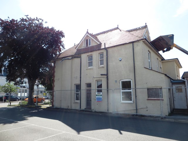Side view of Westleigh House - council offices now demolished