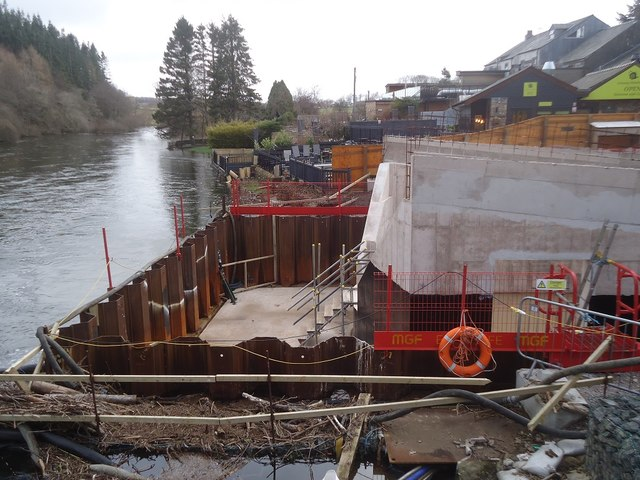 Building the new Pooley Bridge
