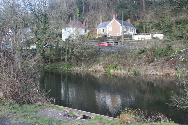 Houses overlooking A467 and disused canal