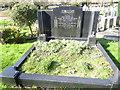 TQ2272 : The grave of Vesta Tilley at Putney Vale Cemetery by Marathon