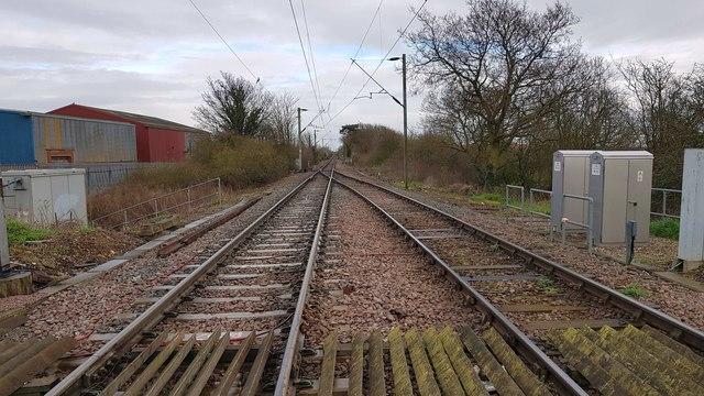 Kirby Cross: Railway line towards Walton-on-the-Naze