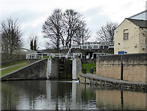 SE1039 : Leeds and Liverpool Canal - Bingley three-rise locks by Chris Allen