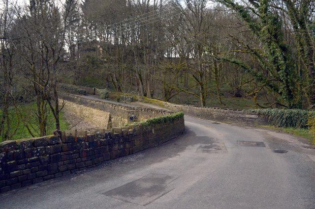 Shutts Lane crossing Coley Beck