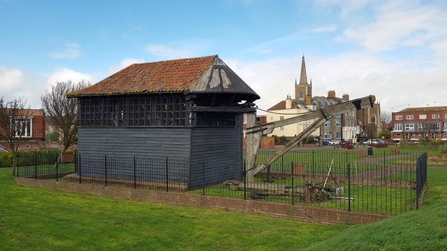 Harwich: The Treadwheel Crane