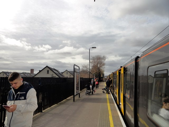 Train at Walkergate Station