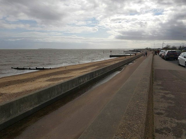 Dovercourt: Seafront promenade (3)