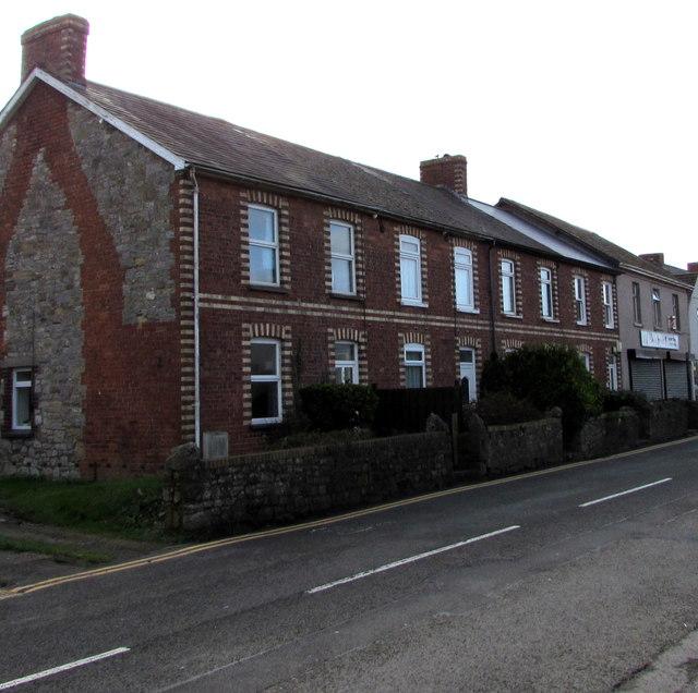 Row of houses, Newport Road, Caldicot