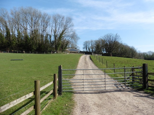 Farm track on Woodhouse Hill