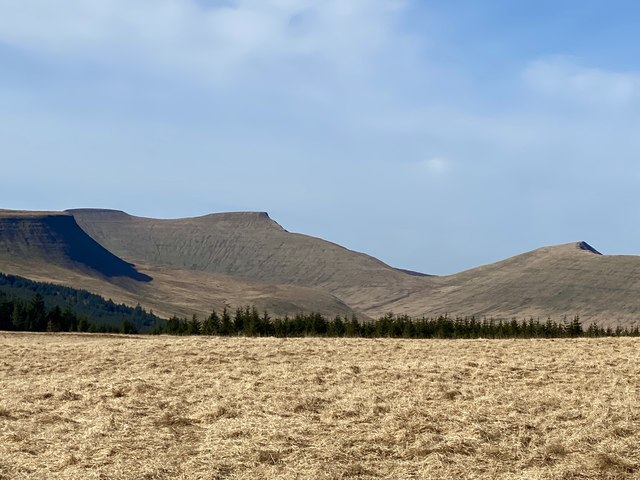 Brecon Beacons - view over Bwlch Gwyn from Gwaun y Pynt