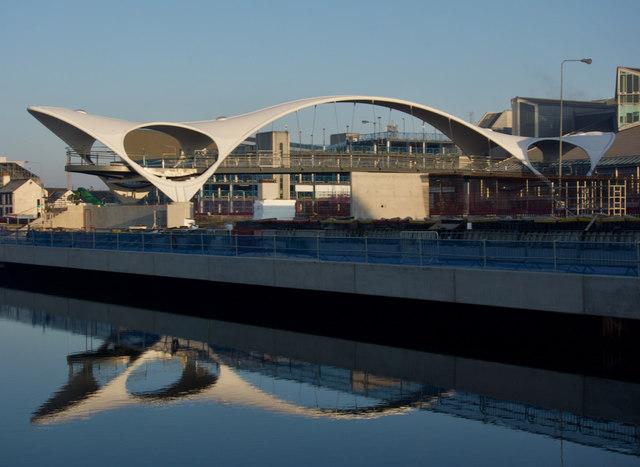 New footbridge, Hull Marina