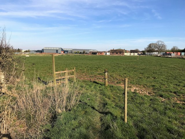 Footpath and Field near Fauld Industrial Park