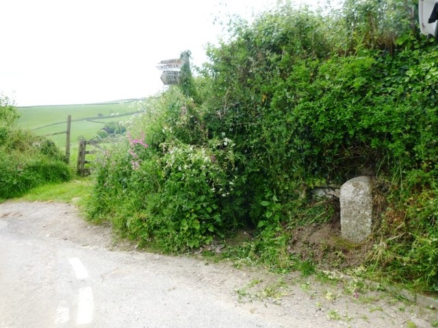 Old Guide Stone at Higher Penpoll