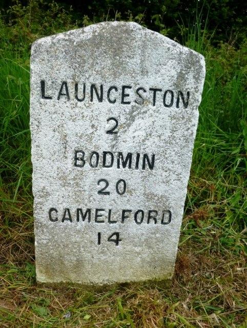 Milestone near Trebursye Oak, east of Tregadillett
