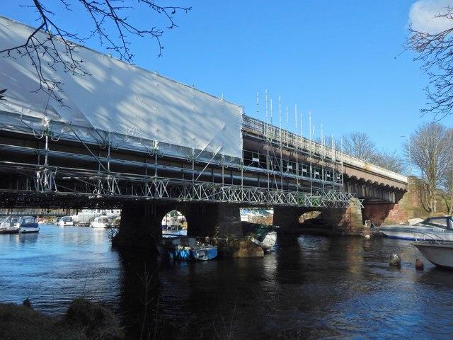 The Lomond Bridge closed