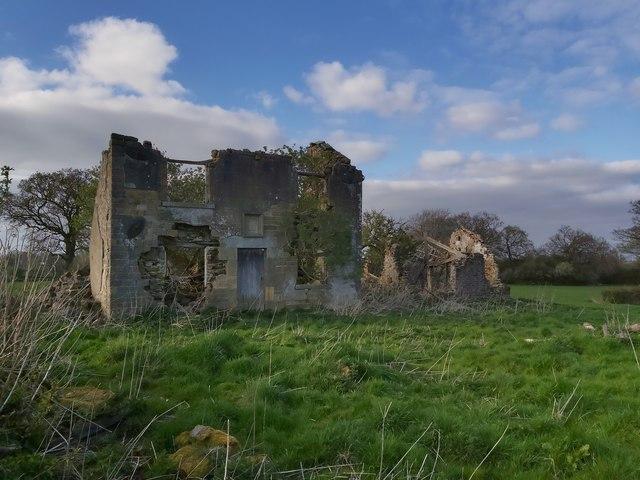 Simfield, a disintergrating farmhouse near Winksley