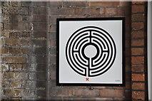 TQ0795 : Labyrinth #9, Croxley by N Chadwick