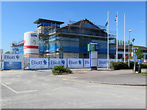 TL4857 : Cherry Hinton: changes at Holiday Inn Express by John Sutton