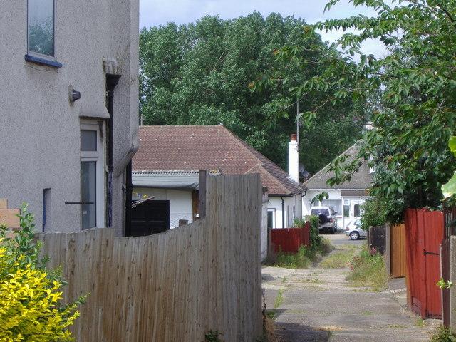 Alleyway off Kinloch Drive, Kingsbury