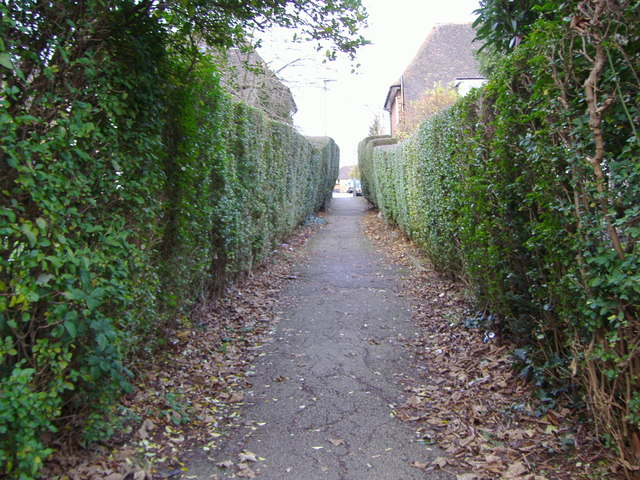 Path from Market Place to Maurice Walk