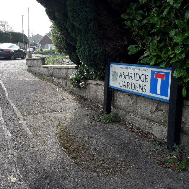 Northbourne: Ashridge Gardens