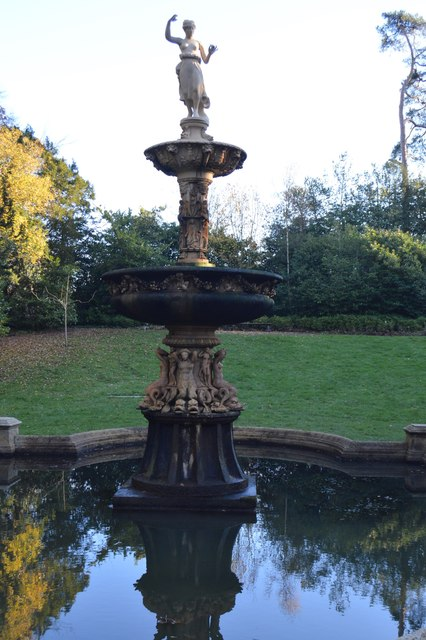 Fountain, Dunorlan Park by N Chadwick