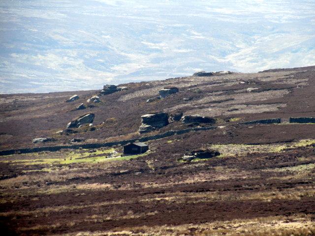 Shooting House & Sandstone Tors on Sigstone Moor