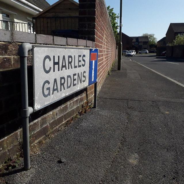 Ensbury Park: Charles Gardens
