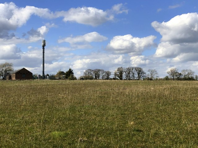 Phone mast by the path to Whaddon
