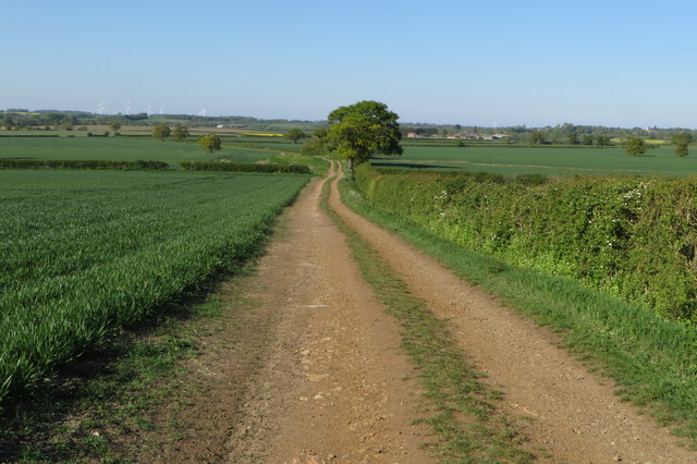 Farm track and footpath to North Crawley