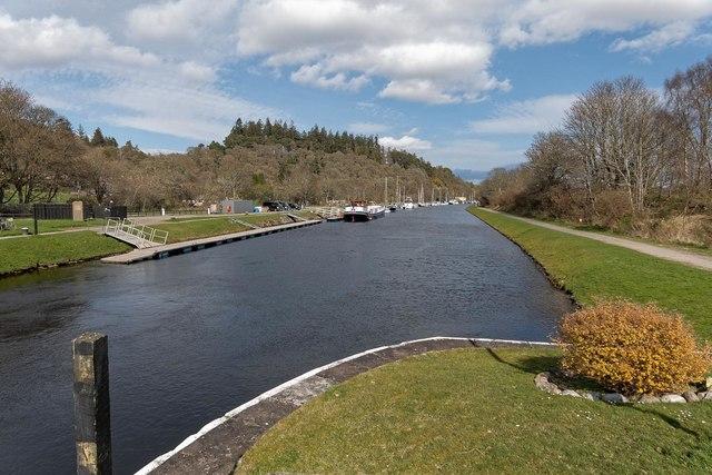 Caledonian Canal at Dochgarroch by valenta