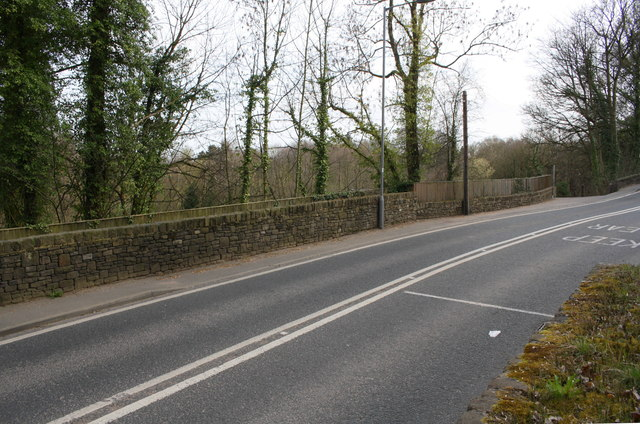 Harden Road (B6249) heading south past Holme House Wood